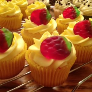 photo of strawberry lemonade cupcakes from cocos confections