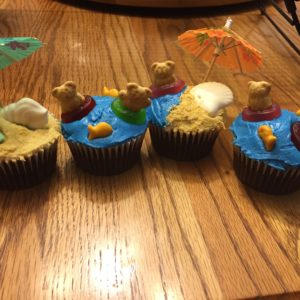 photo of some teddy bear beach themed cupcakes from cocos confections